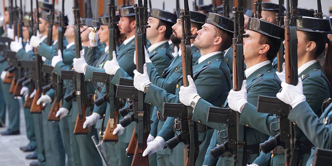 alumnos de academia de guardia civil